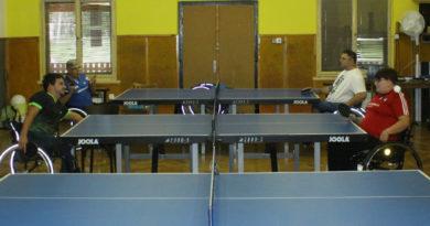 Stolní tenisté trénují v Buňkově pod vedením srbských trenérů
